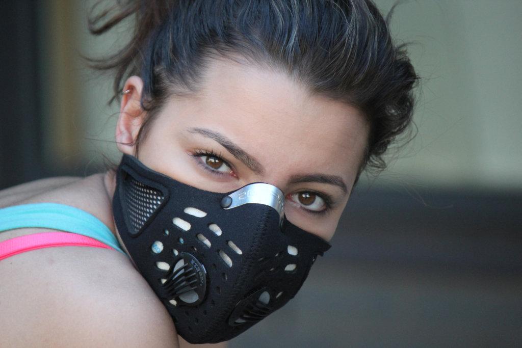 Sport w czasie smogu – jak sobie radzić