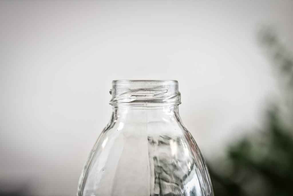 Butelka wielokrotnego użytku – ekologiczny chwyt marketingowy czy konieczność?