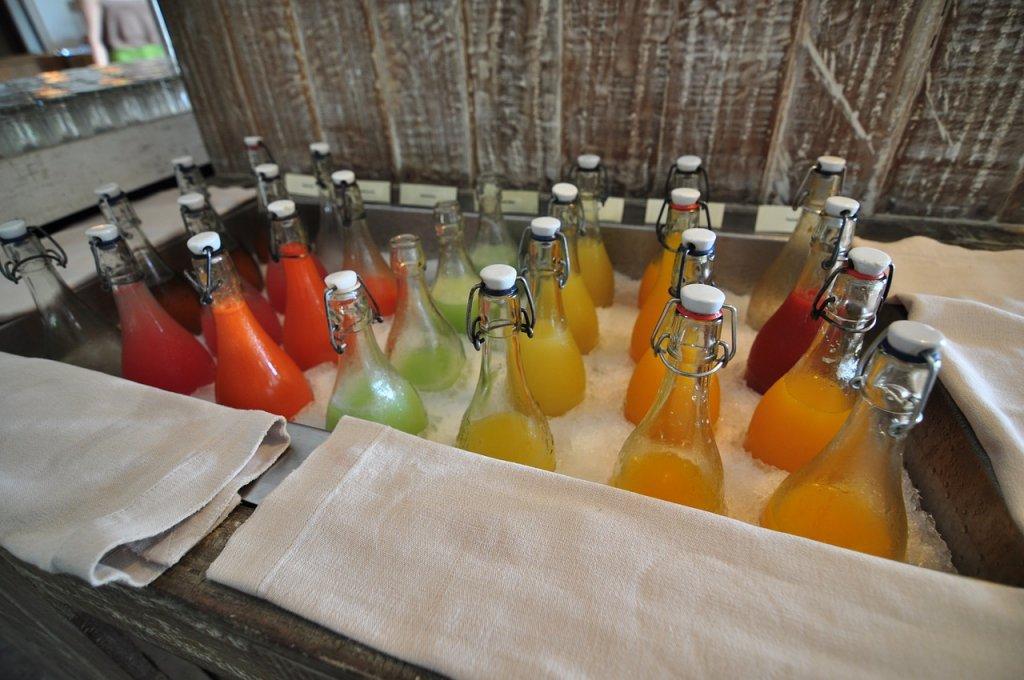 Jak przechowywać soki z wyciskarki?